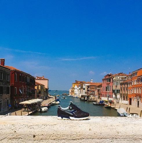 « Notti Veneziane », la nouvelle collaboration BAIT et Diadora
