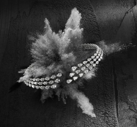 Messika Joaillerie - Collier Diamant wave ©Alexandre Roberdet