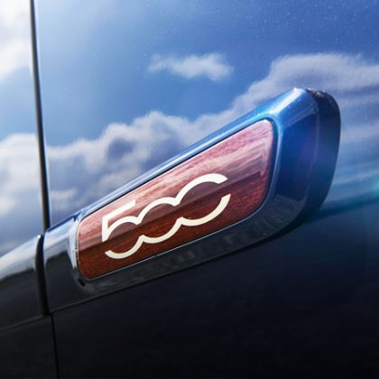 Édition exclusive Fiat 500 Riva logo