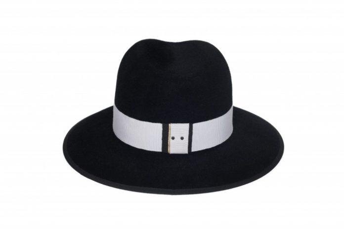 Chapeau inspiré des Colonnes de Buren