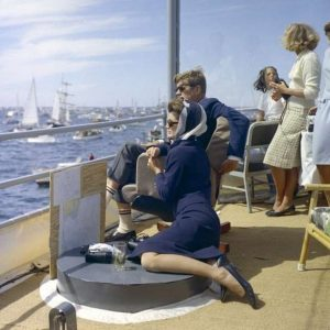 Foulard Jackie Kennedy- Crédit photo : Cecil W. Stoughton