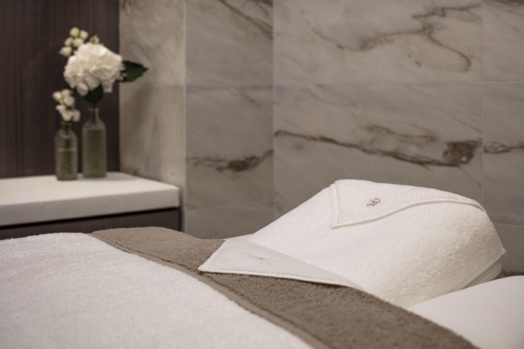 Table de massage pour massage Revigorant Abyangha Hotêl Lutetia