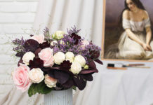 Bouquet Aquerelle - une-jeune-fille-a-genoux-aime-brune